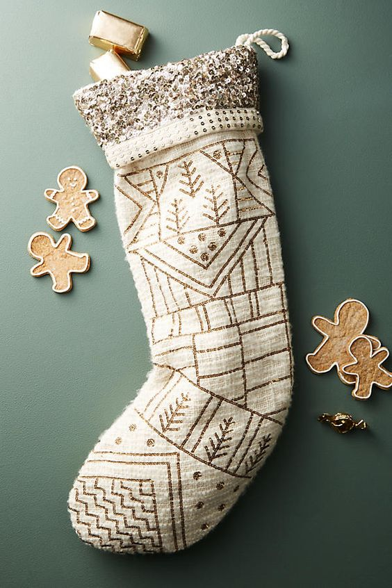 Stocking stuffers - sequined stocking | SamCora Blog